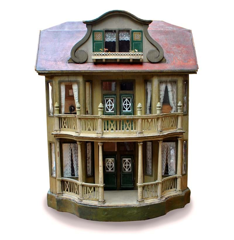 GOTTSCHALK; a rare early 20th century open sided doll's house.